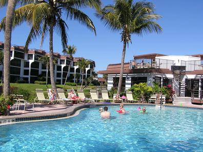 Pointe Santo Clubhouse Pool